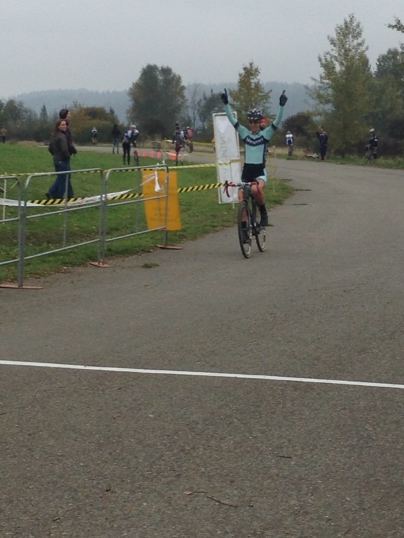 Jessica Cutler (Bikesport NW/Jamis) celebrates her victory at MFG Cyclocross. © Robert Grunau