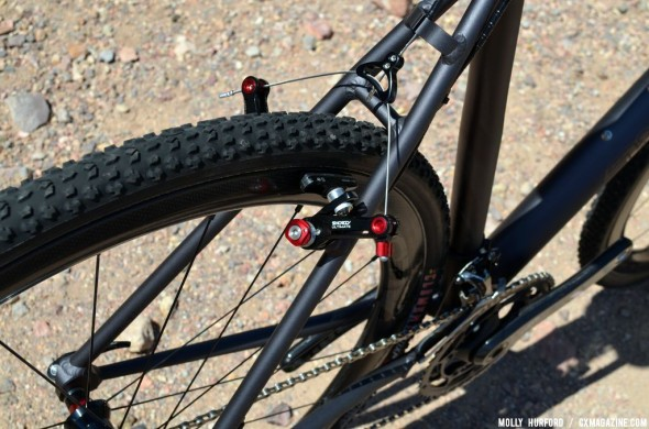 The Aloominator is available in disc and canti versions. © Cyclocross Magazine