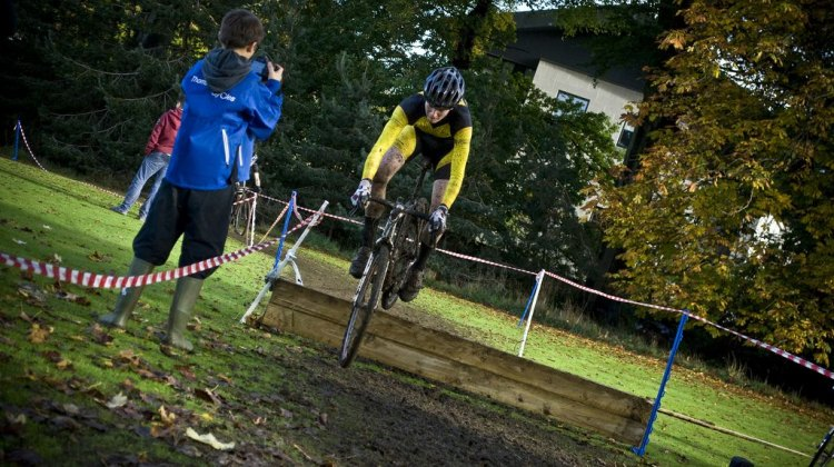 Up and Over at Scottish CX in Callendar Park. © Anthony Robson