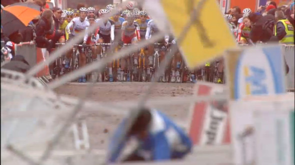 Signs come crashing down at the Superprestige Gieten race