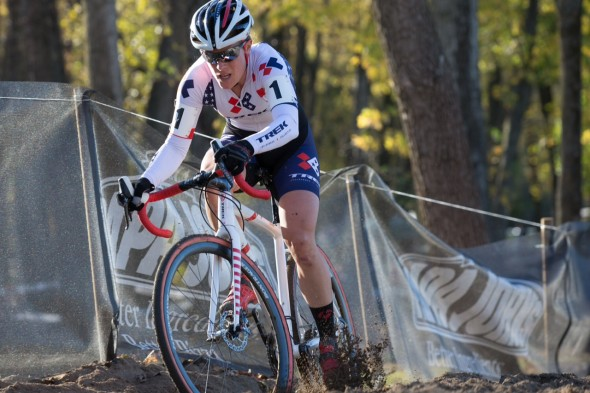 Katie Compton takes an early lead at day two of the Mud Fund Derby Cit Cup. © Wil Matthews