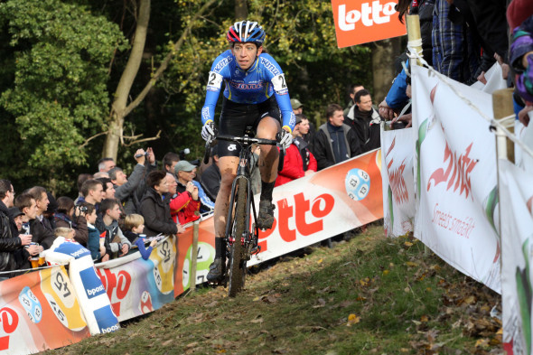 Helen Wyman on her way to the win at Koppenberg Cross. © Bart Hazen