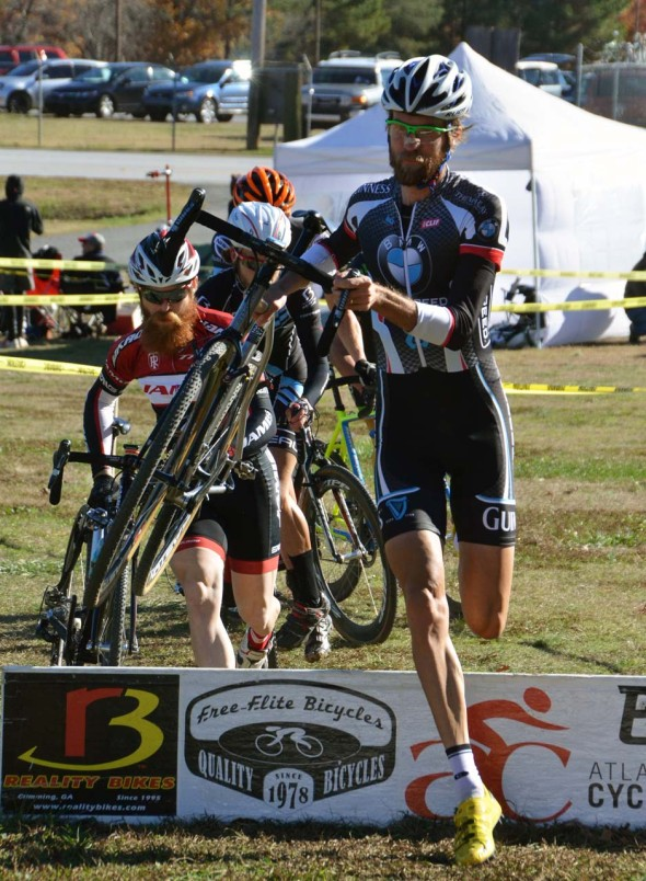 Racers take on the barriers at the Marietta edition of Georgia Cross. © Trish Albert