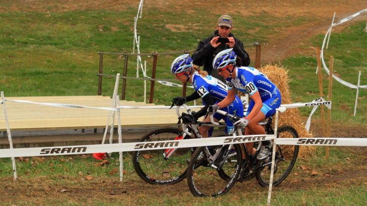 Nash and Pendrel working together on Day 2 of Jingle Cross Rock. © Michael McColgan