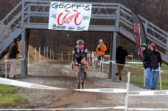 Powers working his way to second place on the last day of Jingle Cross Rock 2013. © Mike McColgan