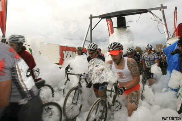 Fresh ideas keep SSCXWC exciting and novel: The bubble machine at 2008 in Portland. © Pat Bentson