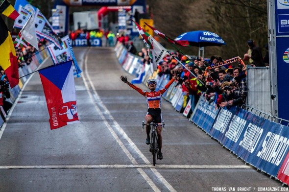 Vos makes it seven World Championships. © Thomas van Bracht