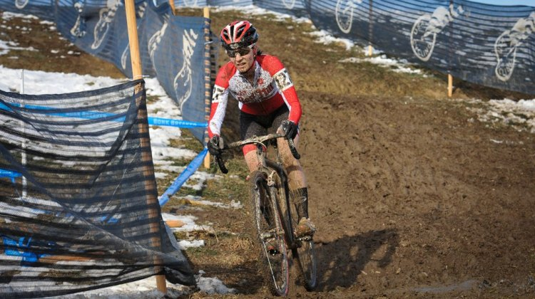 Mo Bruno-Roy in control on her way to win the women's singlespeed 2014 National Championship. © Steve Anderson