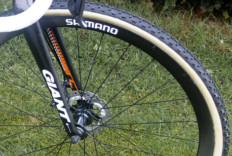 Shimano's new carbon tubular disc wheels with CX75 disc hubs and Dugast Rhino tubulars tires, on Marianne Vos' Worlds-winning bike. © Anton Vos