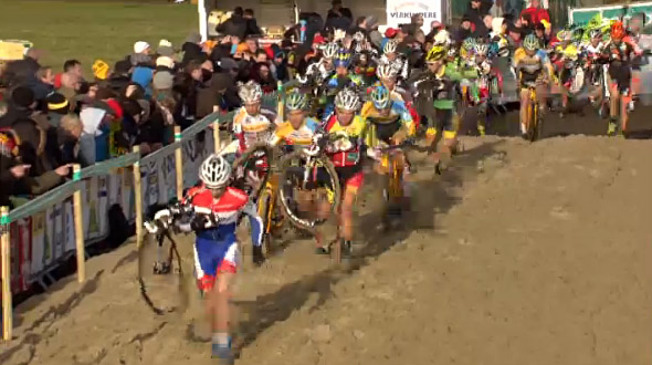 Lars van der Haar leads the men on lap 1 of Middelkerke Superprestige.