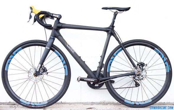 Calfee Design's Manta CX Prototype as ridden by CXM, and to be shown at NAHBS. Like any show bike, it's expensive, and limited in production but orders are being taken now. © Cyclocross Magazine