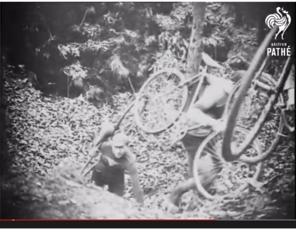Cycle-Cross-Country race from 1926 in France. (screenshot)