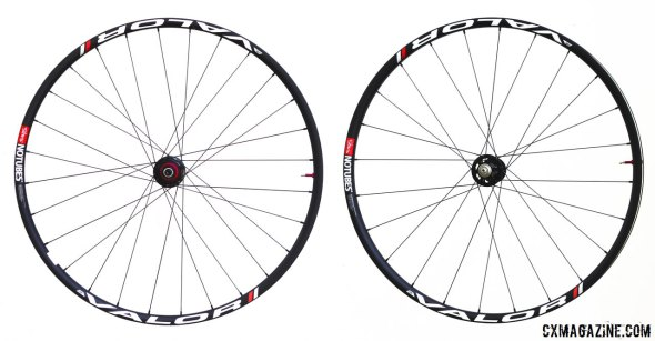 NoTubes' carbon Valor 29er/CX tubeless wheelset. © Cyclocross Magazine