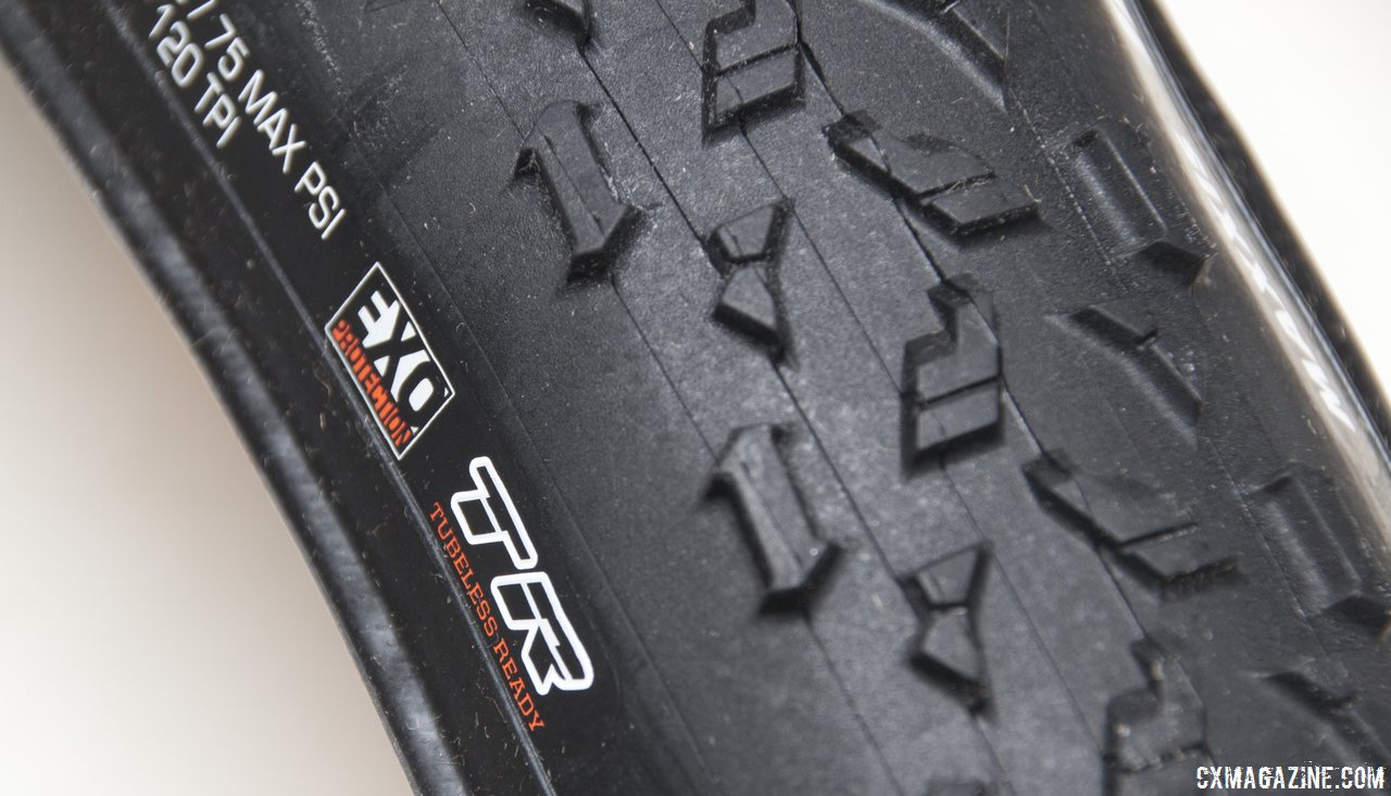 A more pronounced TR carbon bead, and EXO sidewallprotection. Maxxis Mud Wrestler TR tubeless cyclocross tire. © Cyclocross Magazine
