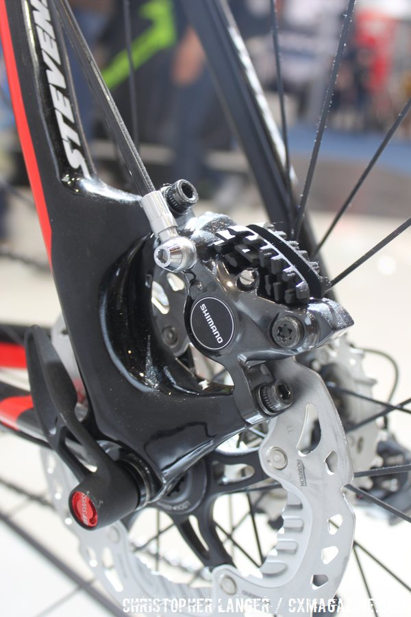 And speaking of beefy, that disc brake mount is not on a diet. © Christopher Langer