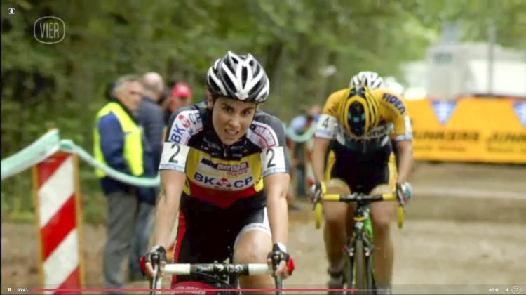 Sanne Cant puts the hurt on Van Loy - 2014 Superprestige Gieten women's race - vier.be video screenshot