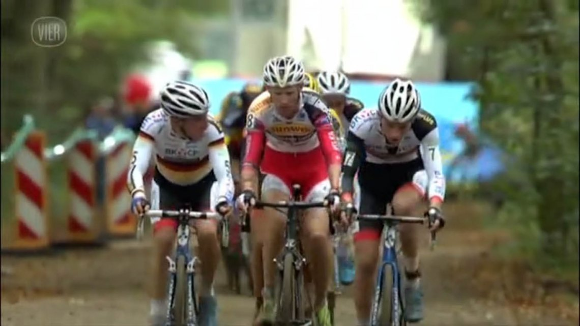 2014 Superprestige Gieten cyclocross race - vier.be video screenshot
