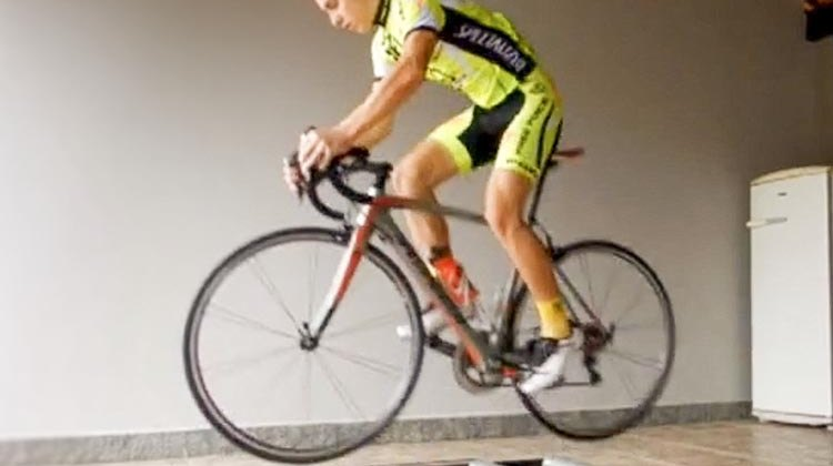 Érick Bruske's video of how to combine roller workouts with bike skills drills.