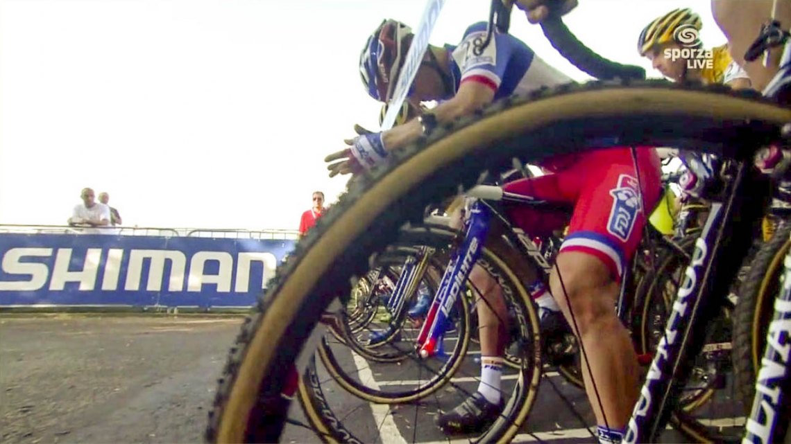 Finding the right line at the start at Valkenburg. Photo capture from UCI