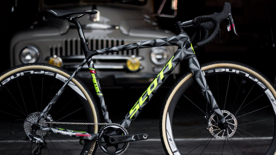 The Scott Addict CX 2016 prototype, complete with SRAM Force 1 and Dugast Rhino tubulars, but the production model will feature clinchers - Sea Otter 2015. © Cyclocross Magazine