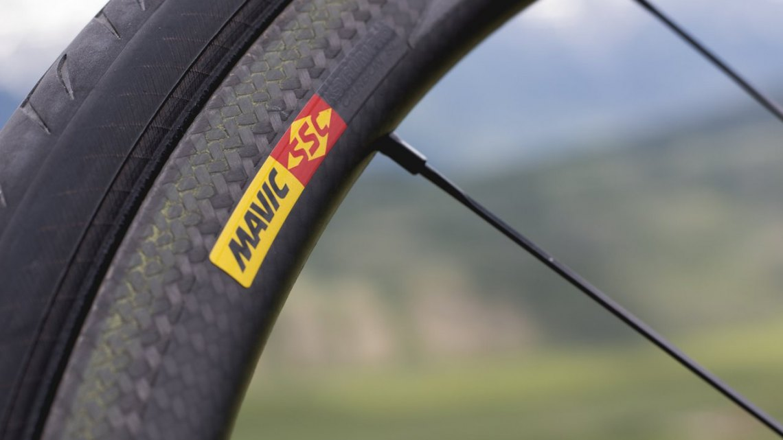 Mavic has transitioned from hand-textured rim brake tracks to laser-etched ones on its carbon rims, and the results are some of the best dry carbon rim braking we've experienced. © Cyclocross Magazine