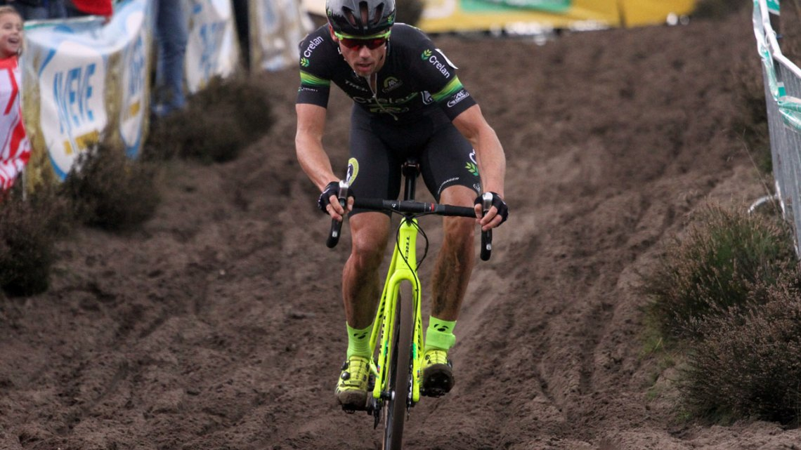 Sven Nys descends at Superprestige Zonhoven. © Bart Hazen