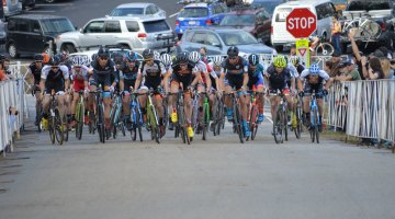 The Elite Men charge off the line at the North Carolina Grand Prix. © Ali Whittier/CXMagazine.com