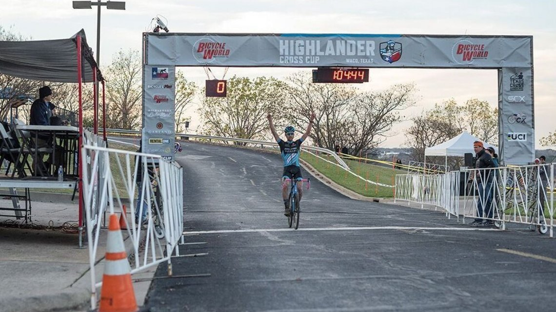 Driscoll with the win at Highlander Cross Cup, day 1. © Bo Bickerstaff