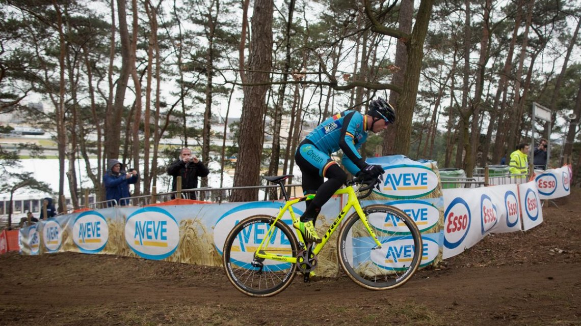 Sven Nys. Course Inspection. 2016 UCI Cyclocross World Championships. © P. Van Hoorebeke/Cyclocross Magazine