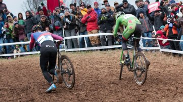 Different folks, different strokes. Hyde grunted up the climb, Powers ran it. Elite Men, 2016 Cyclocross National Championships. © Cyclocross Magazine