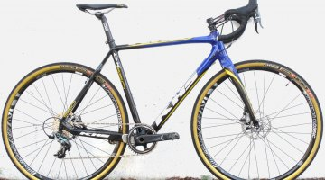 KHS 550 CX carbon cyclocross bike. © C. Lee / Cyclocross Magazine