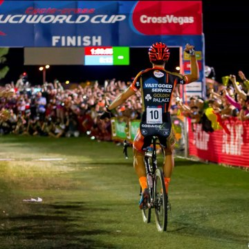 World Champion and World Cup overall winner Wout van Aert returns to defend his title at CrossVegas. photo: CrossVegas 2015. © A. Yee / Cyclocross Magazine