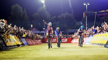 Sophie de Boer hit the last turn first to outsprint Katerina Nash and Katie Compton to win 2016 CrossVegas World Cup. © Catherine Fegan-Kim / Cyclocross Magazine