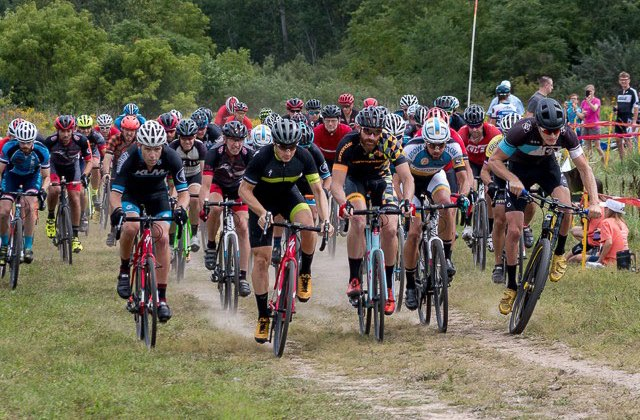 The start of the Elite Men's field at the 2016 Alma GP photo: Nick Forsman