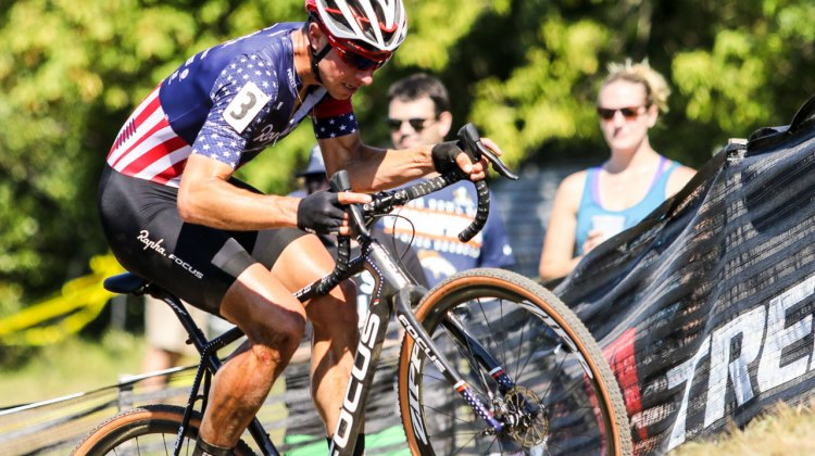 Jeremy Powers crashed and did not finish, but gave chase early in the race. Elite Men, 2016 Trek CXC Cup Day 2 © Jeff Corcoran