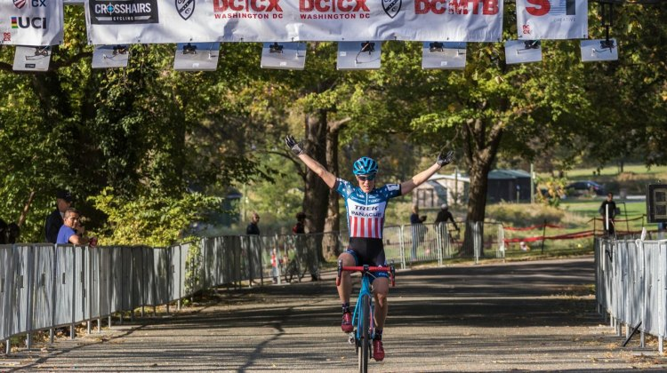 With almost a minute over second place Compton enjoys another solo victory © Mark Colton