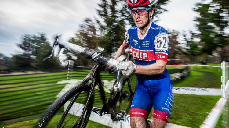 Katerina Nash over the barriers and in the lead at CXLA. © Philip Beckman