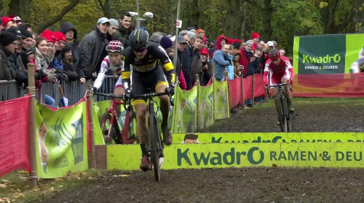 2016 GP Hasselt Video: Laurens Sweeck bobbles while chasing Corne van Kessel