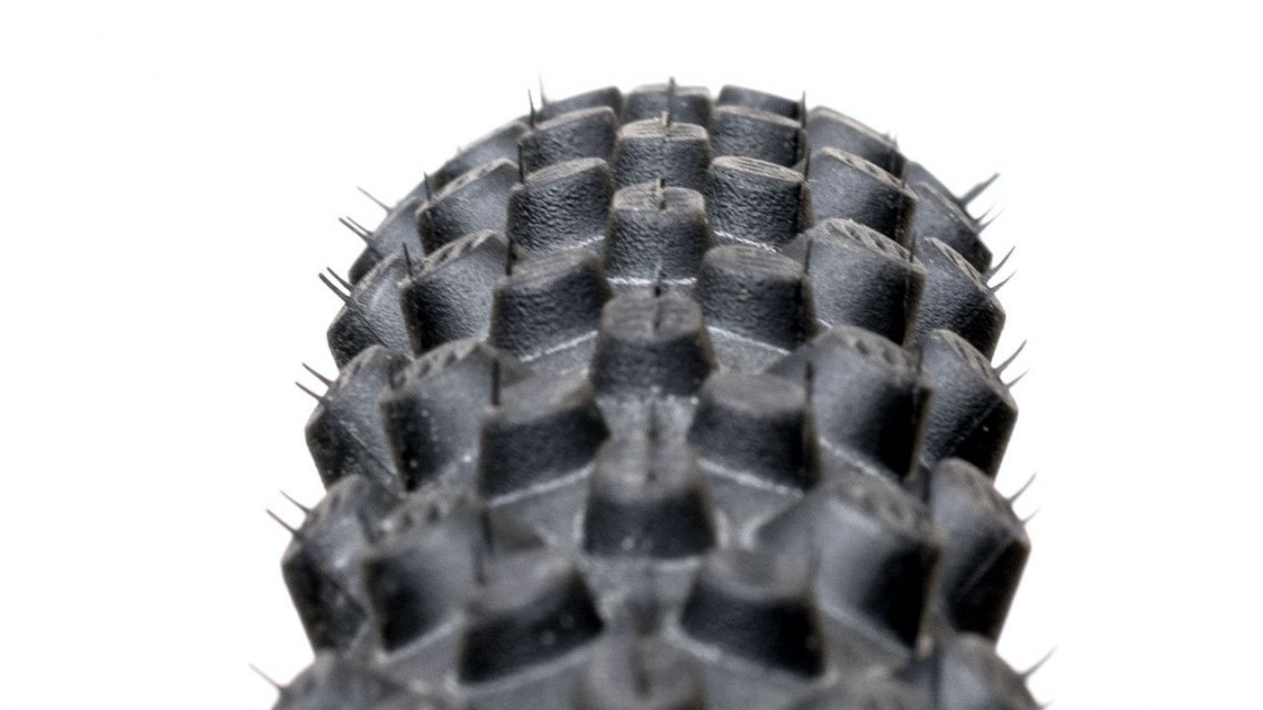 The Schwalbe X-One Bite features 3mm tall center knobs with 4mm tall side knobs for soft or loose conditions. © C. Lee / Cyclocross Magazine