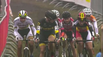 2016 Essen Women's Race was an exciting, fast, pack-filled race.