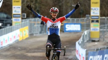 Dutch Champion Marianne Vos continues her winning ways. 2017 Fiuggi UCI Cyclocross World Cup Women's Race. Italy. © C. Jobb / Cyclocross Magazine
