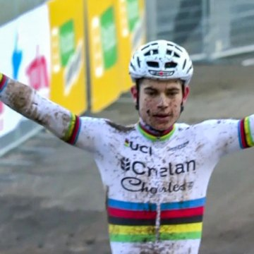 Wout van Aert wins the 2017 Fiuggi Cyclocross World Cup in Italy, secures 2016/2017 UCI World Cup overall title.