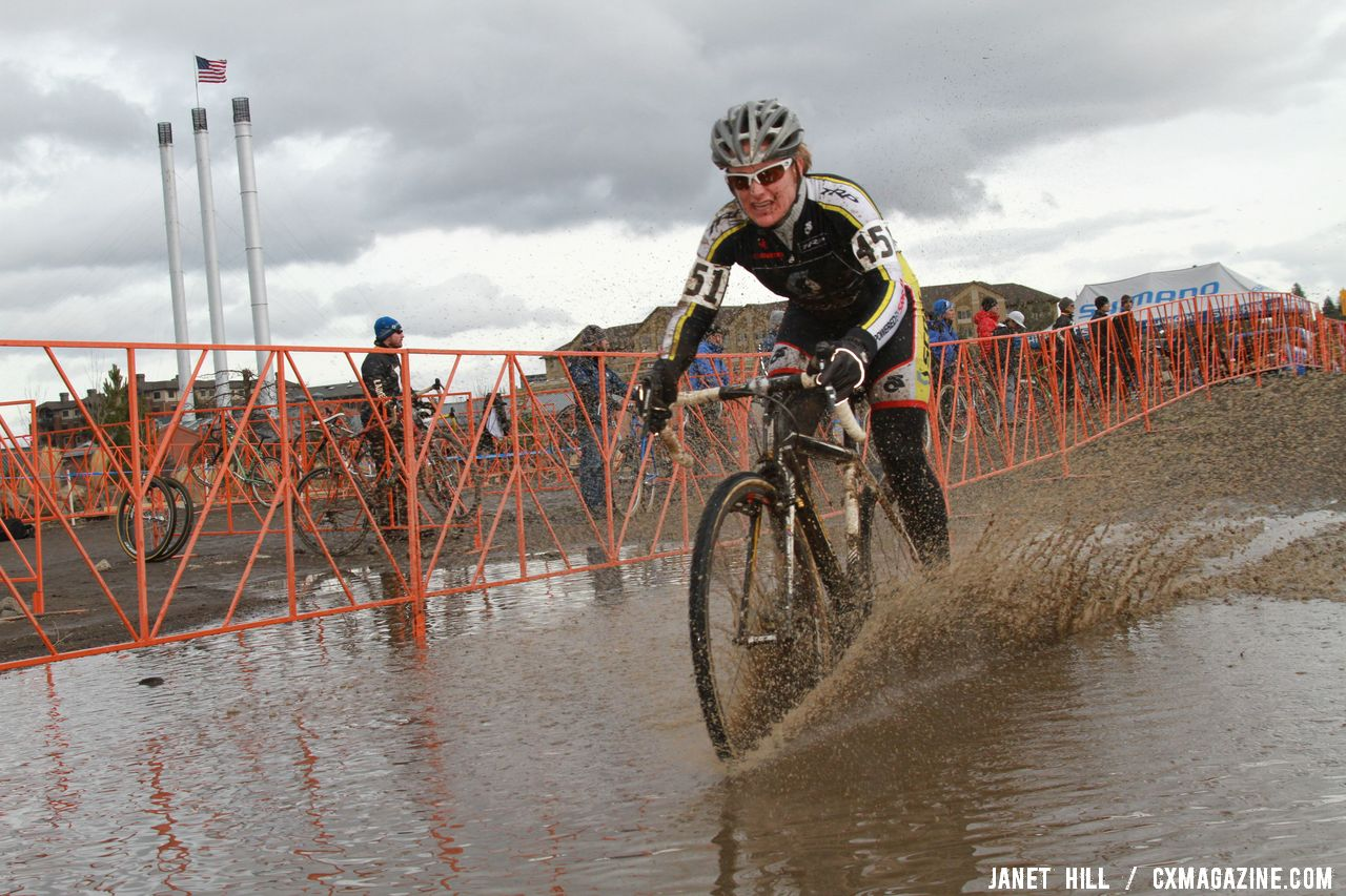 Kerry Barnholt digs deep. © Janet Hill