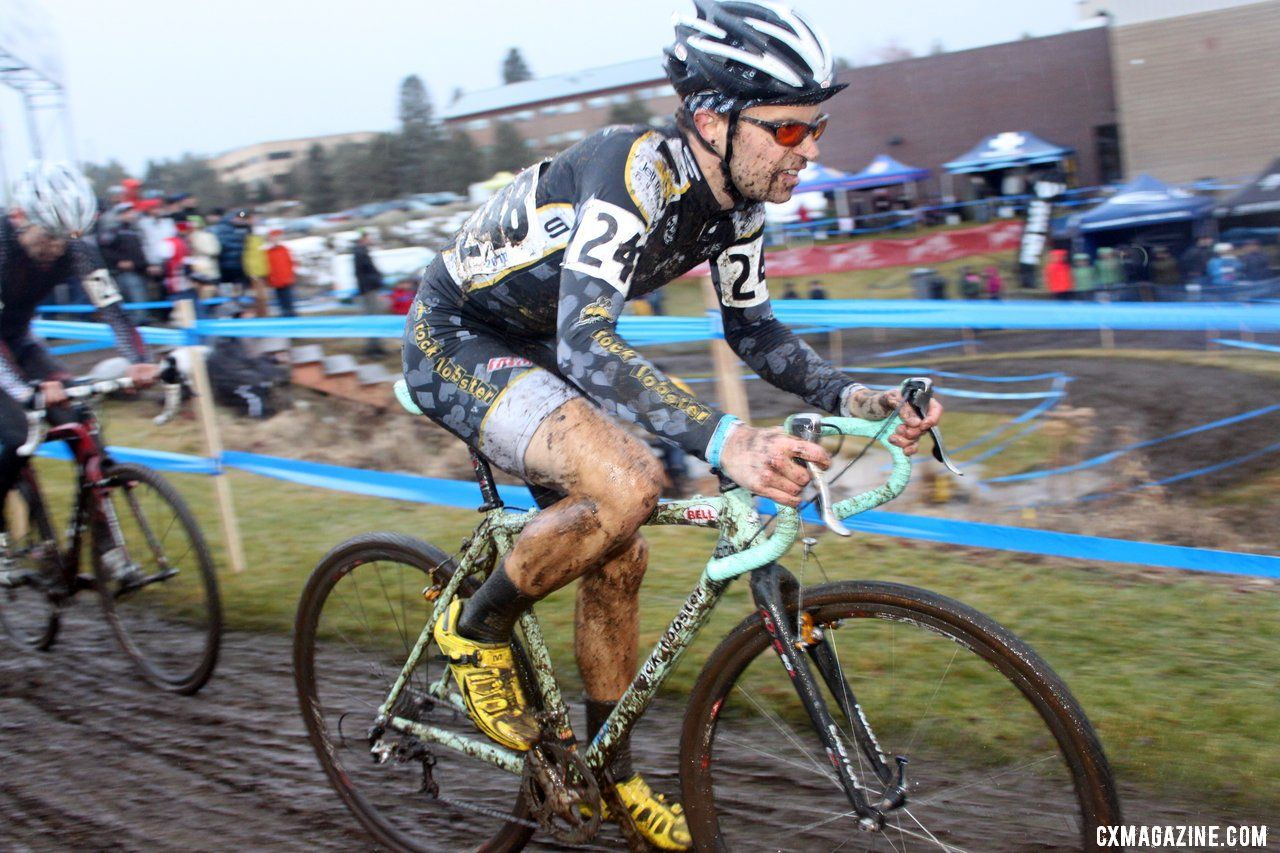 Josh Snead tries to find the Top 5. © Cyclocross Magazine