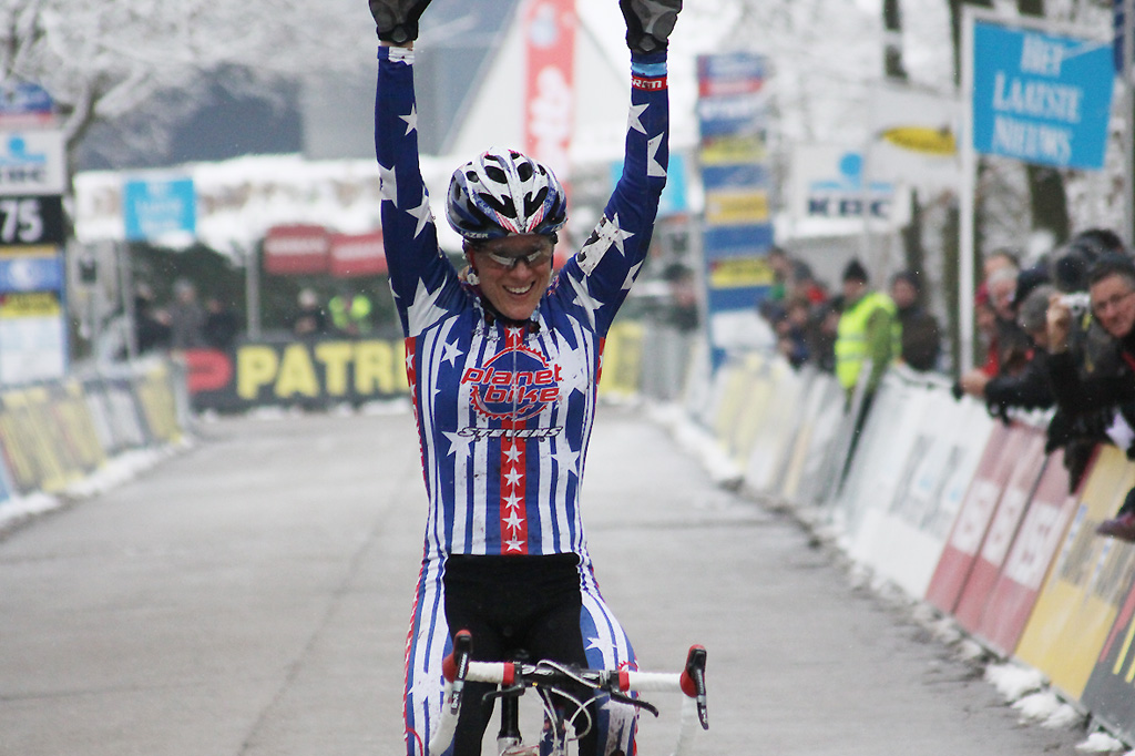 Katie Compton takes another win in what has been a tremendously successful season thus far ©Bart Hazen