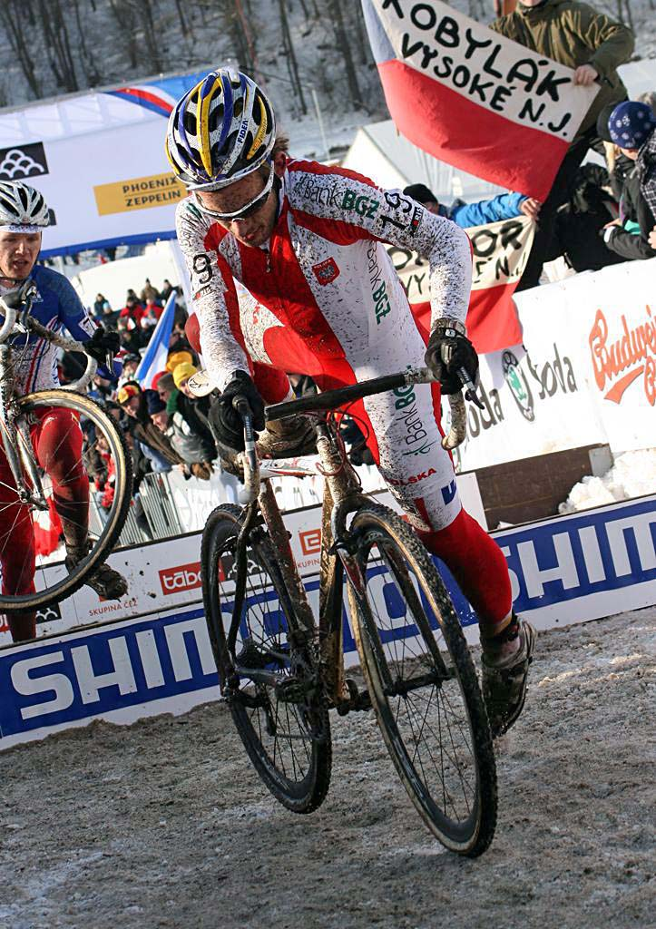 Younger brother Kacper Szczepaniak faded and was almost caught by Jouffroy. 2010 U23 Cyclocross World Championships. ? Bart Hazen
