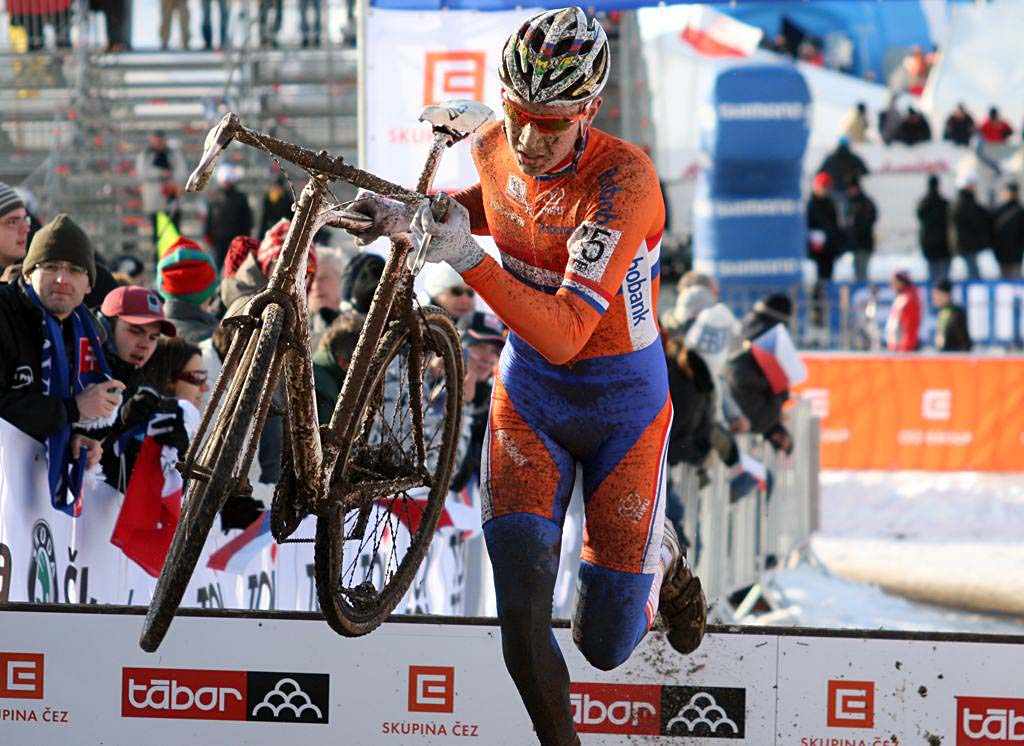 2009 Junior World Champ Tijmen Eising had a good showing, finishing 9th. 2010 U23 Cyclocross World Championships. ? Bart Hazen