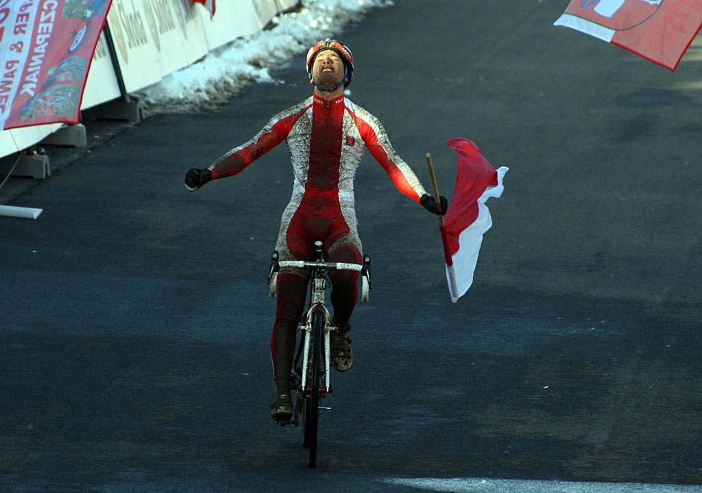 Pawel Szczepaniak takes the win - 2010 U23 Cyclocross World Championships. ? Bart Hazen