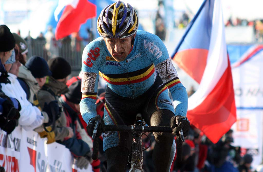 The questions about Bart Wellens\' place on the Belgian team were answered with a 10th place. ? Bart Hazen