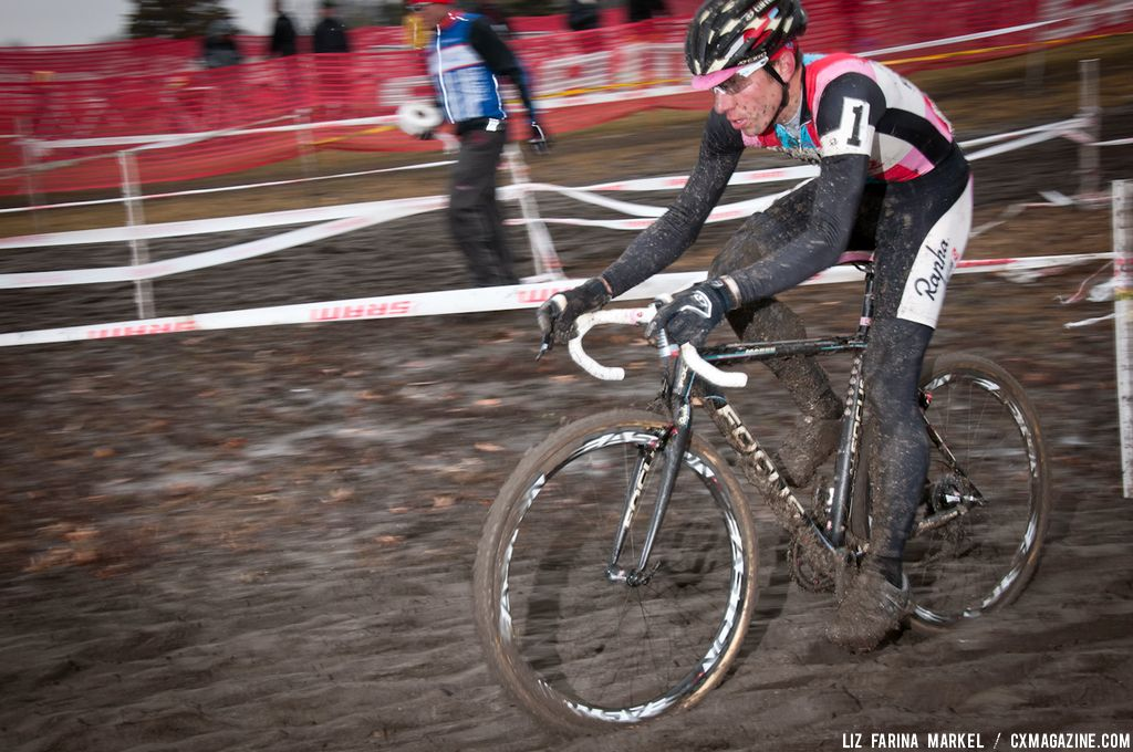 Jeremy Powers (Rapha-FOCUS) gets dirty. ©Liz Farina Markel